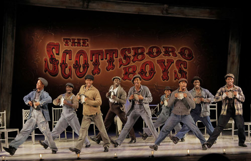 THE SCOTTSBORO BOYS, bravo por los musicales provocativos